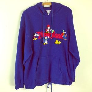 Exclusive Disneyland fleece hoodie, sz M, fits big